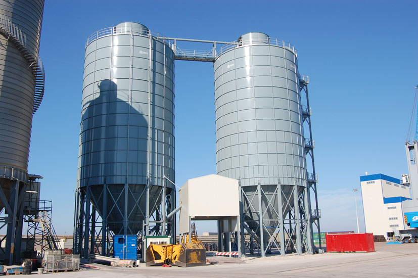 Cement silos and terminals