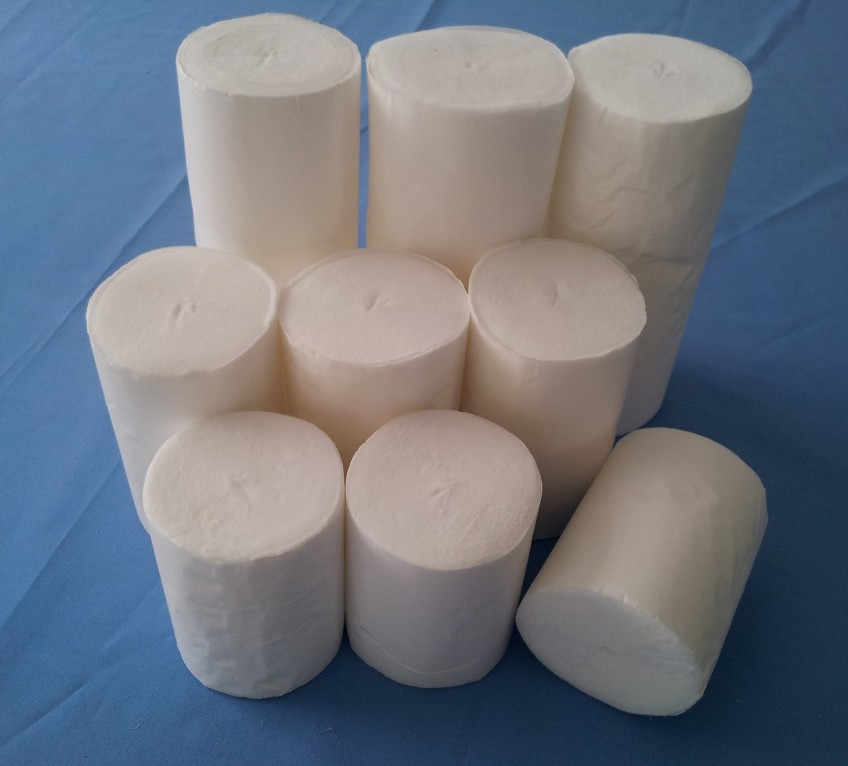 Absorbent spunlace cotton roll