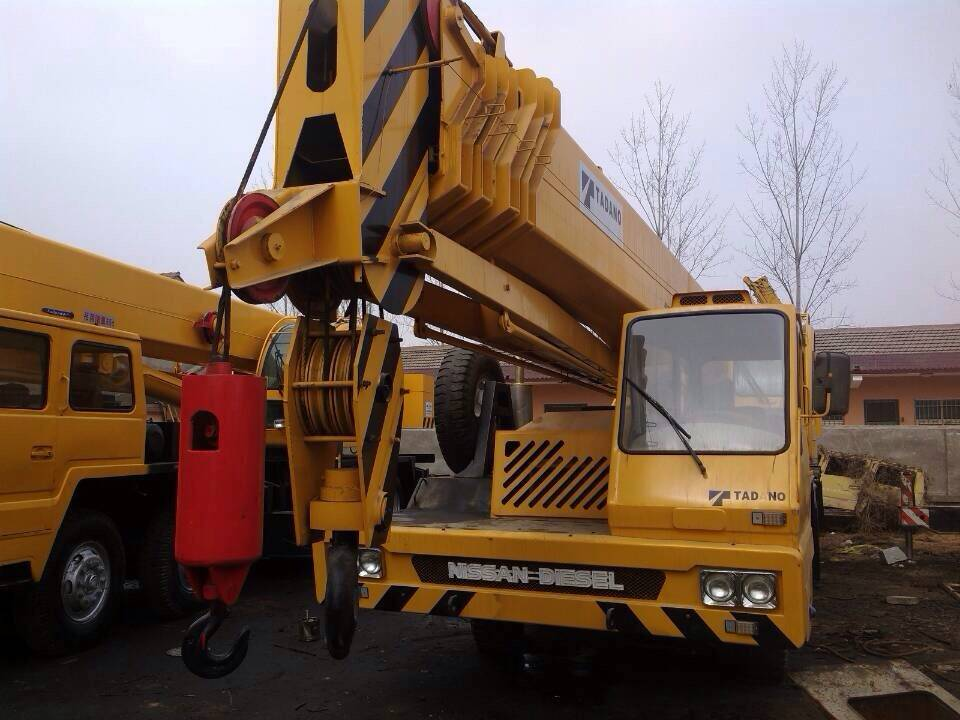 truck crane 50 ton tadano cheap price TG500E crane used