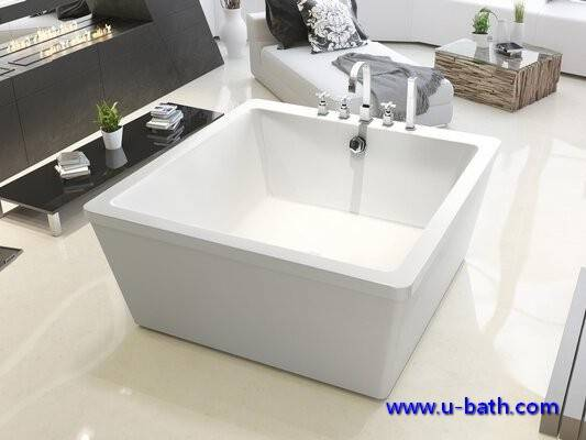 Square design on ground soaking bathtub for modern bathroom