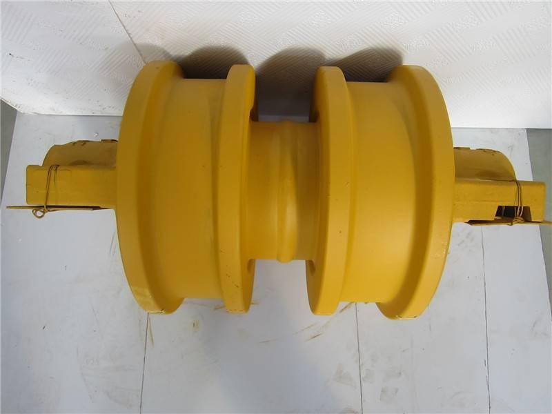 Komatsu-D85 Track roller DF