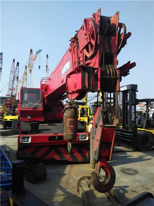 used  KR300 rough terrain crane for sale in low price