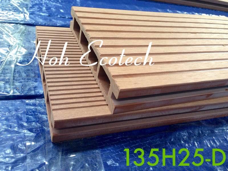 High strength barefoot friendly antisplit vinyl composite decking