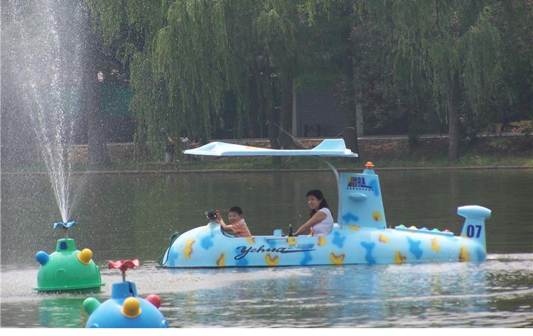 Yehua Water Amusement Equipment Park Water Boat Play Imitation Hummer Laser Naval Ship
