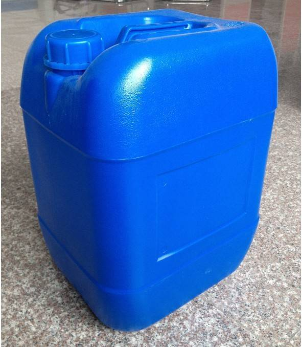HDPE Oil can for storage and transportation