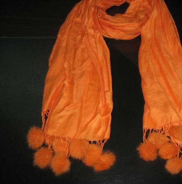 Hang ball scarf