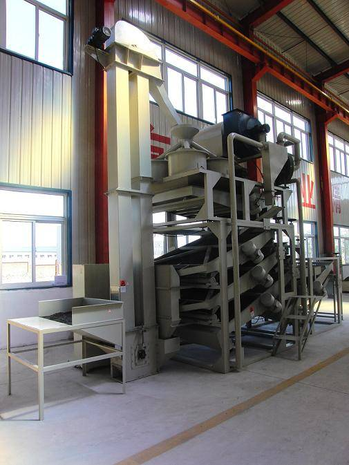 Sunflower seed dehulling equipment