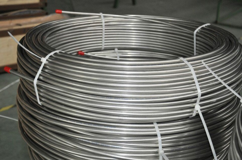 Stainless steel seamless coiled tubes