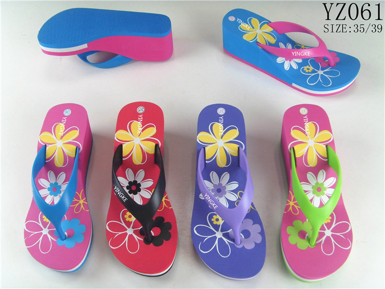 Factory cheap personalized floral printed ladies beach flipflops wedge platform