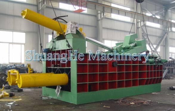Hydraulic scrap baler Y81 400 tons