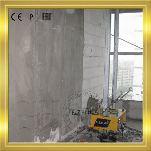 Automatic render machine for polish plaster with local plasterers