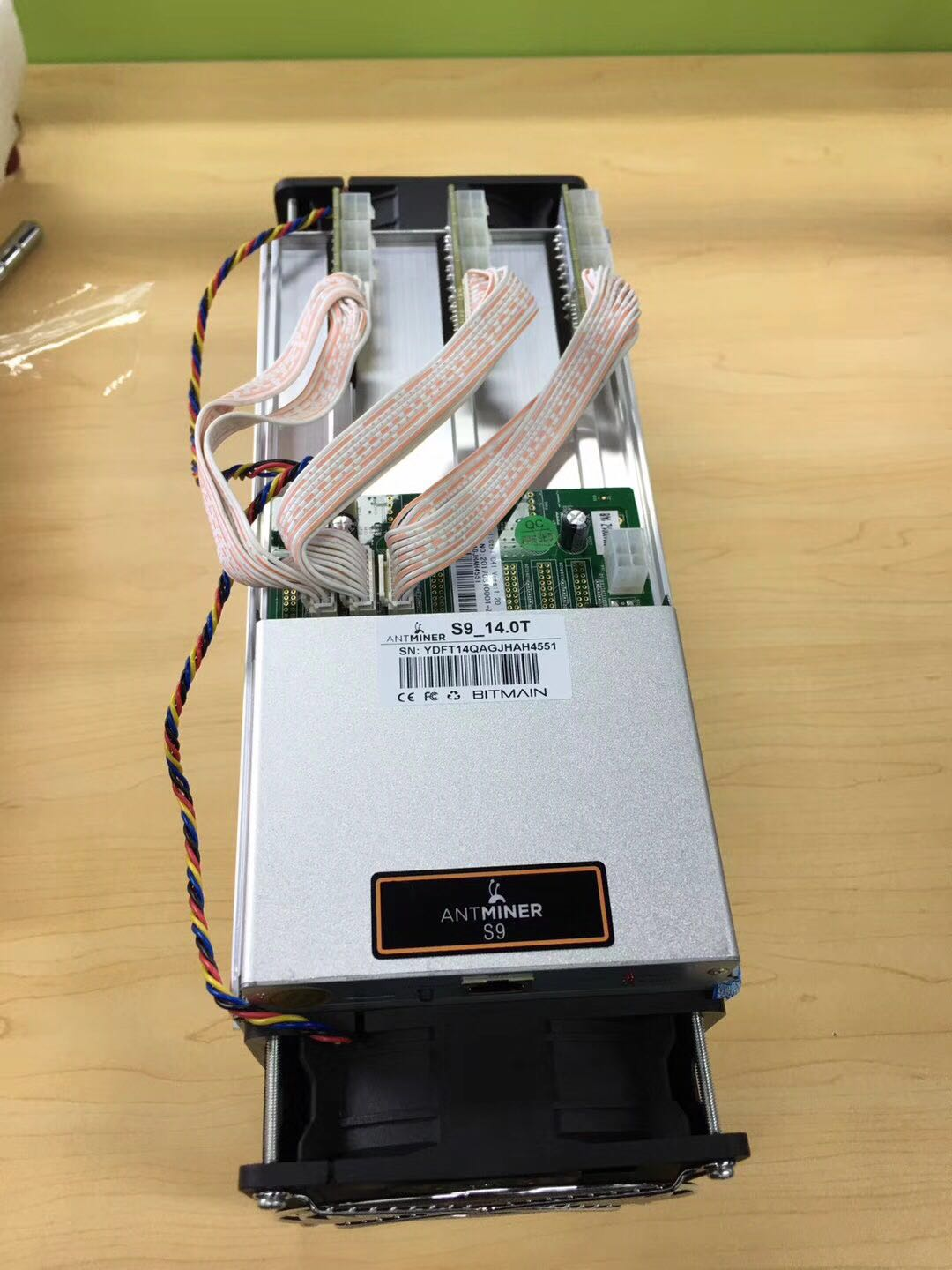 Stock ANTMINER S9 with 189X BM 1387CHIPS 14Th/S