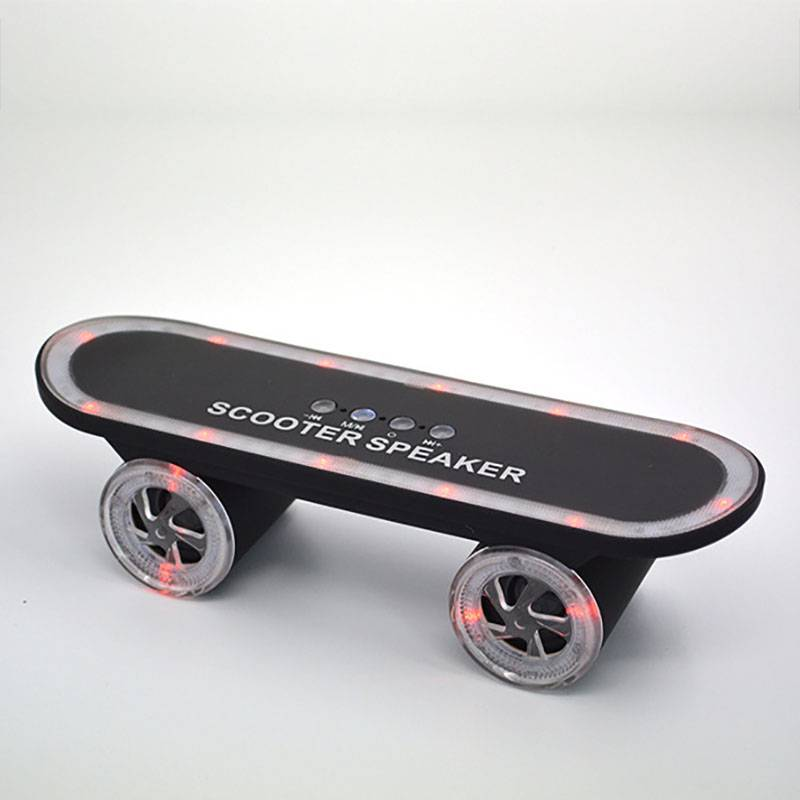 Skateboard Shape Outdoor Mini Stereo Bluetooth Speaker