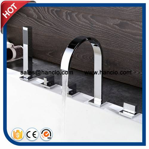 Square Bathtub Mixer Tub Faucet with Handshower (HC2931)
