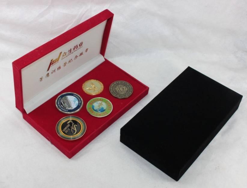 Factory supply fashion custom metal brooch badge pins