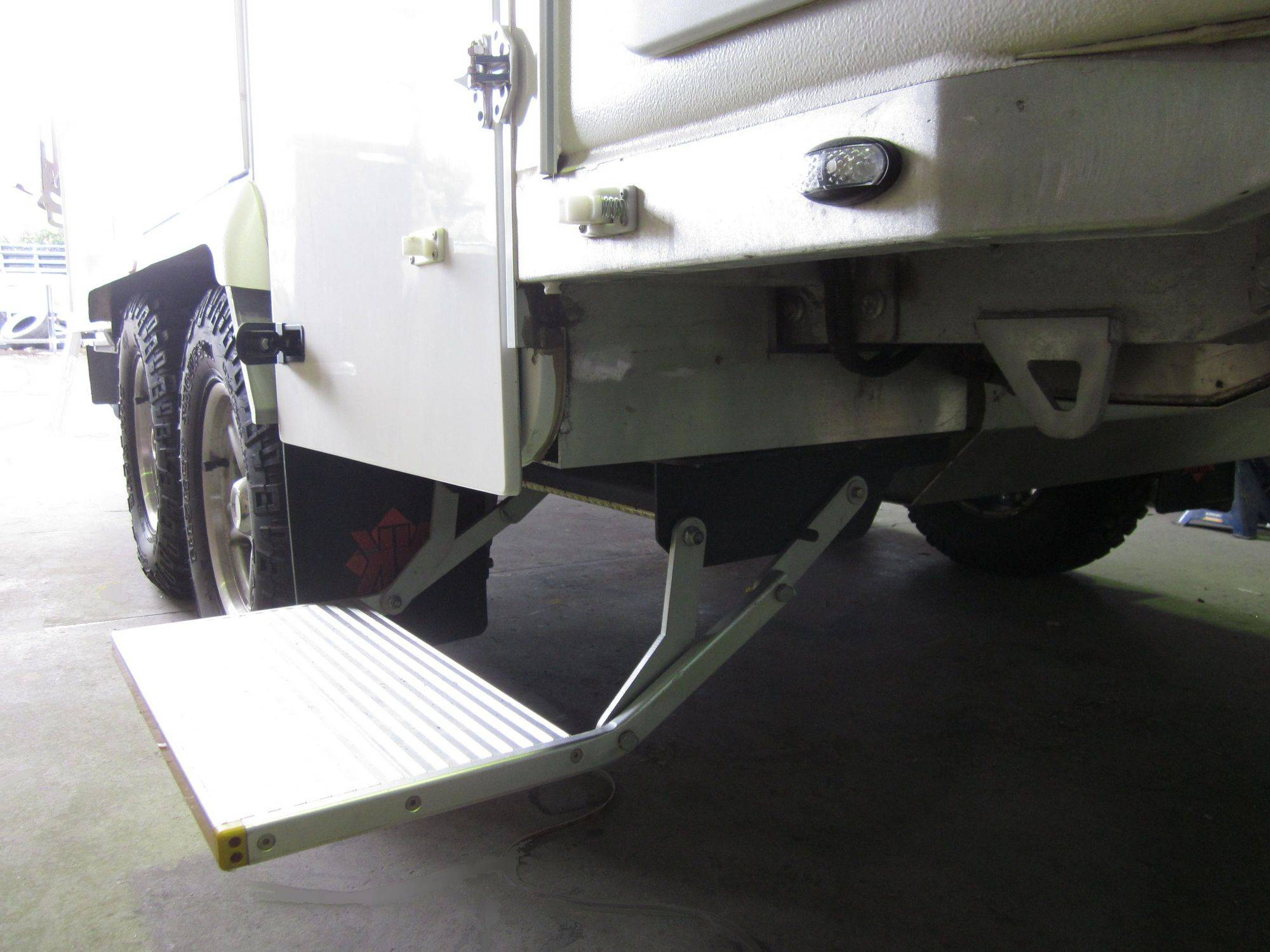 ES-F-S electric folding step for truck and camper