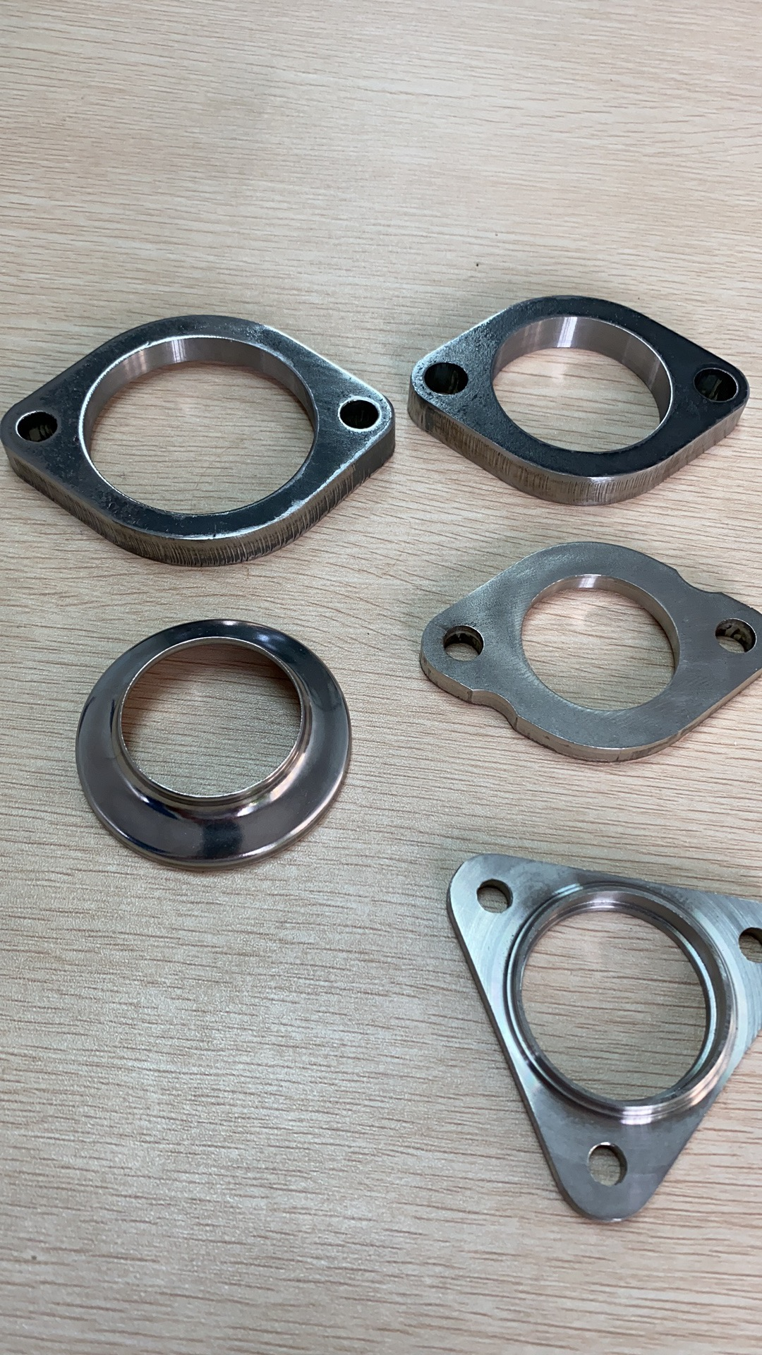 Car Exhaust System / Flange / Bracket / Muffler Parts / Catalytic Converter Parts / Bellows