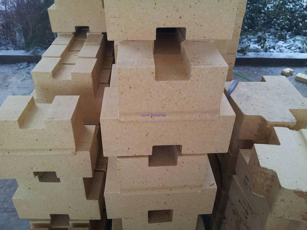 Dense silica refractory brick for glass furnace