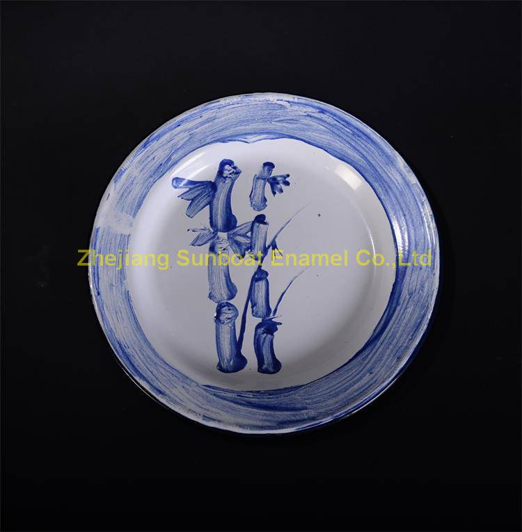 Chinese traditional round enamel vegetable plate