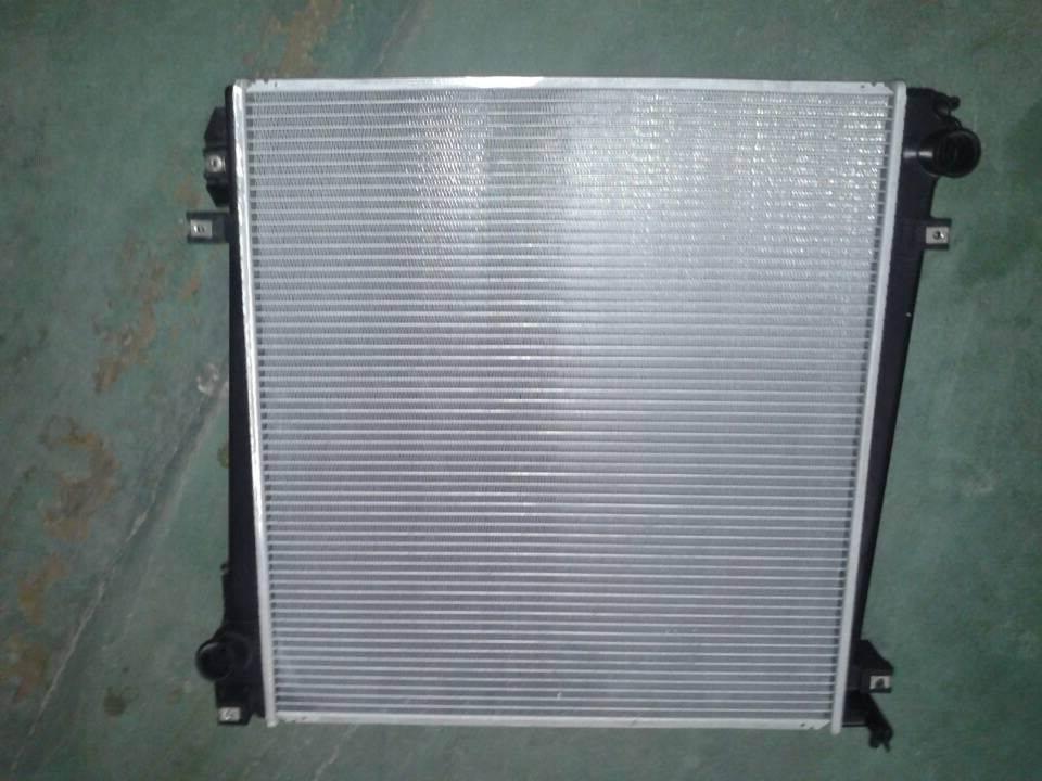 Ford Explorer auto radiator 3L2Z8005ZZ/IL2Z8005DC