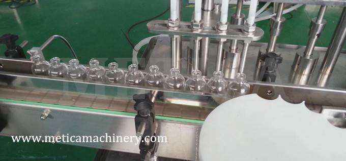 Automatic Liquid Filling Capping Machine in One