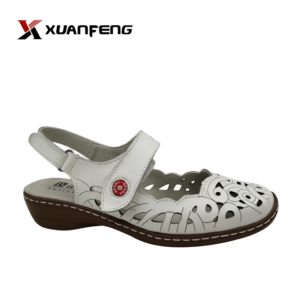 Fashion Wholesale Summer Ladies Cemented Leather Flat Sandals