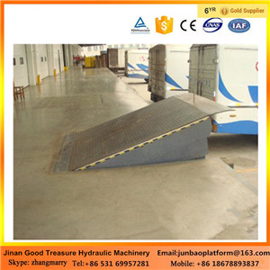stationary hydraulic dock leveler /mobile loading yard ramp for sale