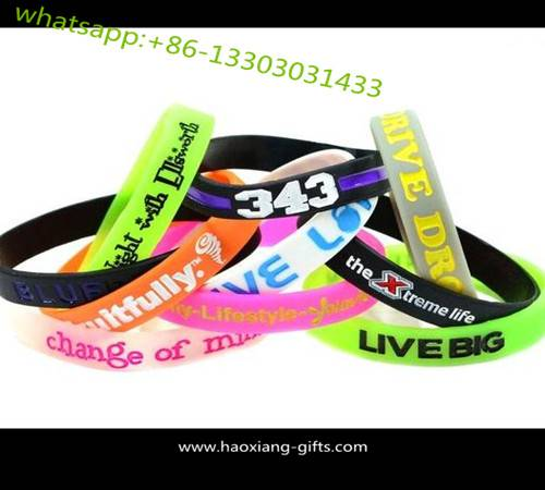 Eco-friendly 100% Custom silicone wristband/bracelets with debossed logo