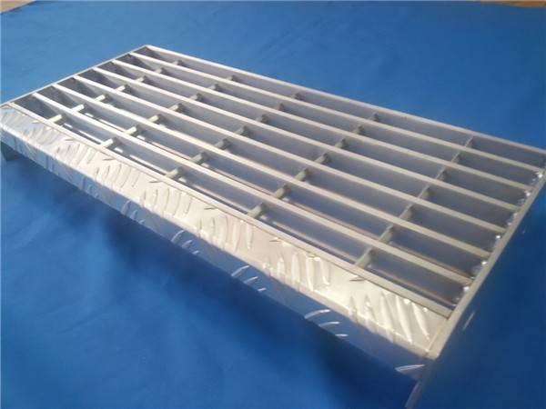 6063-T6 aluminum alloy stair tread