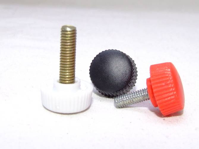 Knurled knobs with threaded stud, steel zinc plated