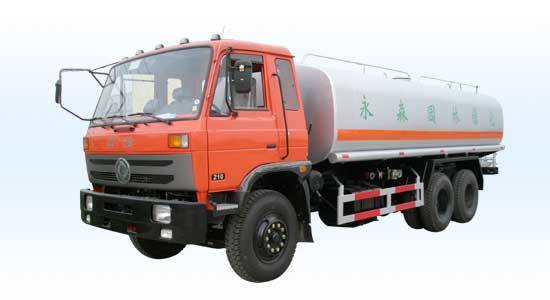 Dongfeng double rear axle water truck