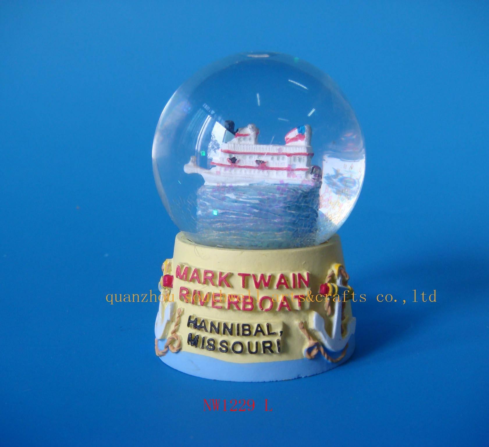 snow globe,resin snow globe,water globe,resinic gifts, snow ball