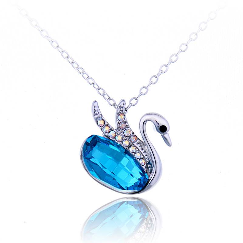 Swan Pendant Necklace with Austrian Crystal
