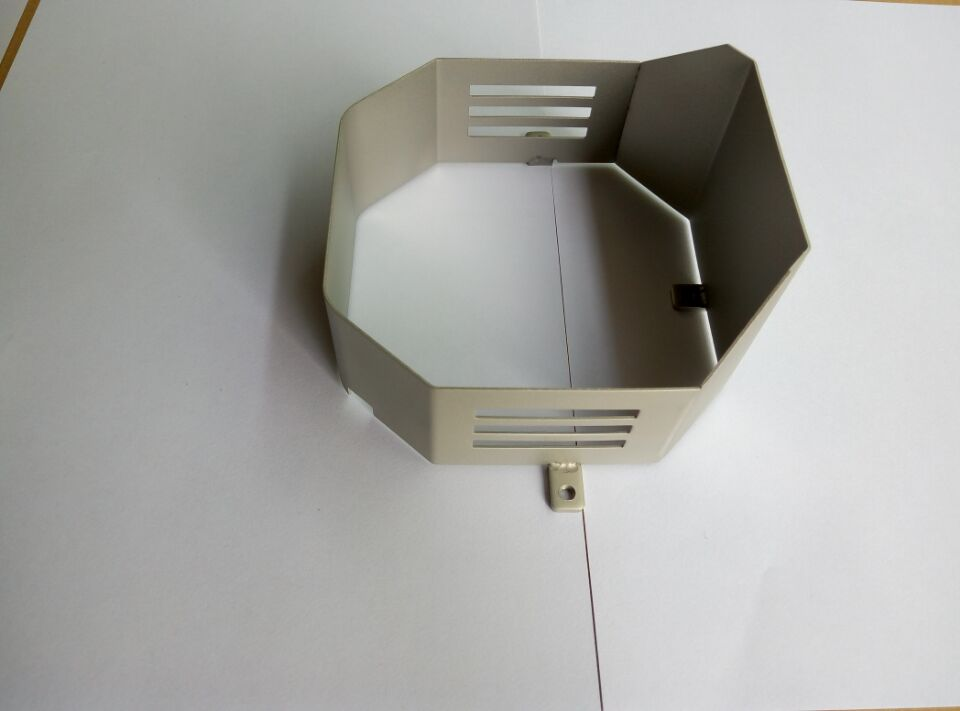 Customized Professional Heat-sinks Parts, Available in Various Materials