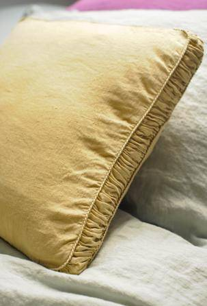 linen Pillow Case. Perfect quality. Designed and manufactured in Italy.
