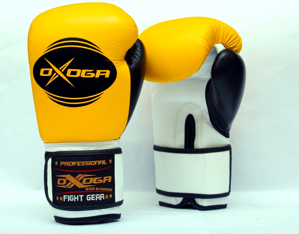 Pro Boxing Gloves made of high grade leather, muay thai gloves