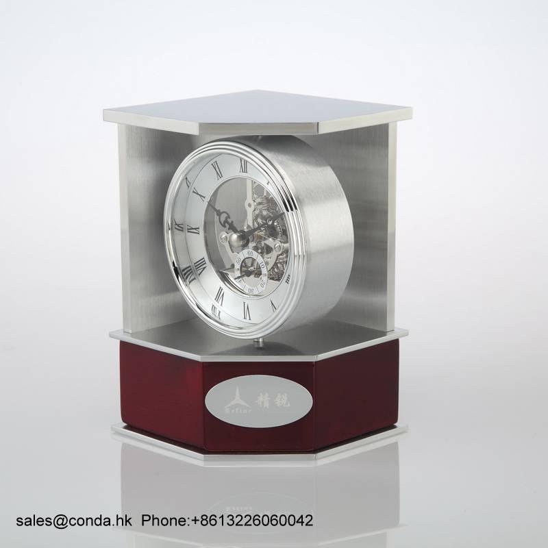 Conda Quartz wooden desk clock K8036