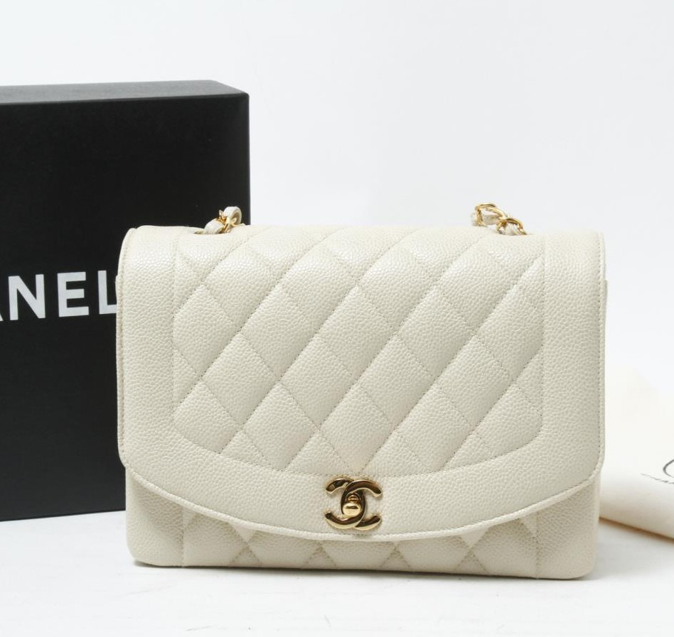 High quality Used brand designer CHANEL White Caviar Chain shoulder bags for bulk sale.