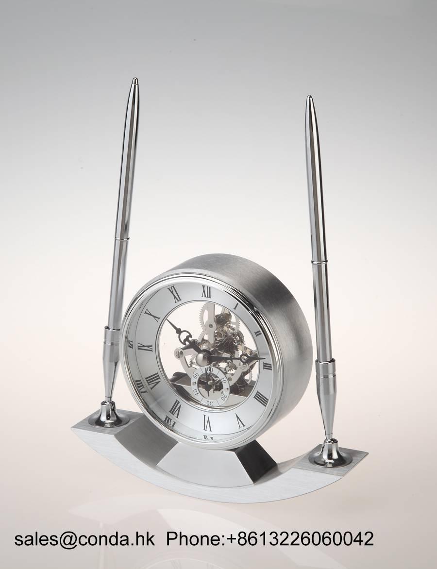 Conda Quartz wooden desk clock K8028