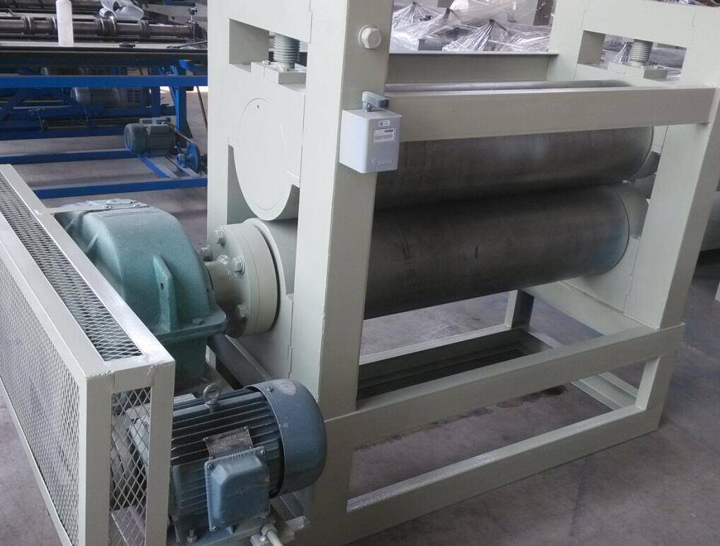 1200mm expanded metal mesh flattening machine