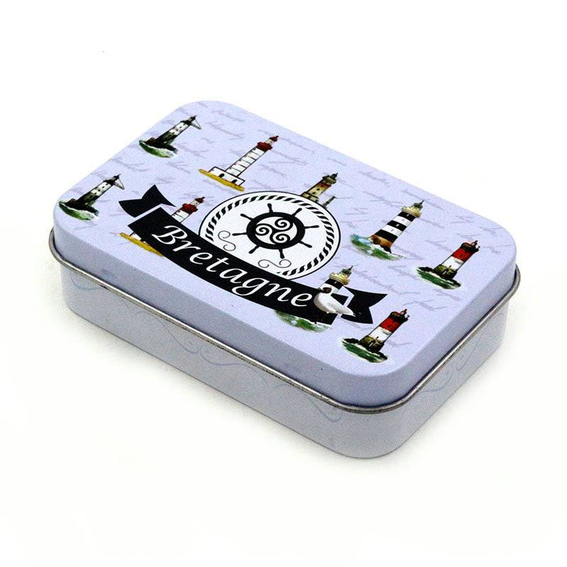 Small mini rectangular tin box with hingle