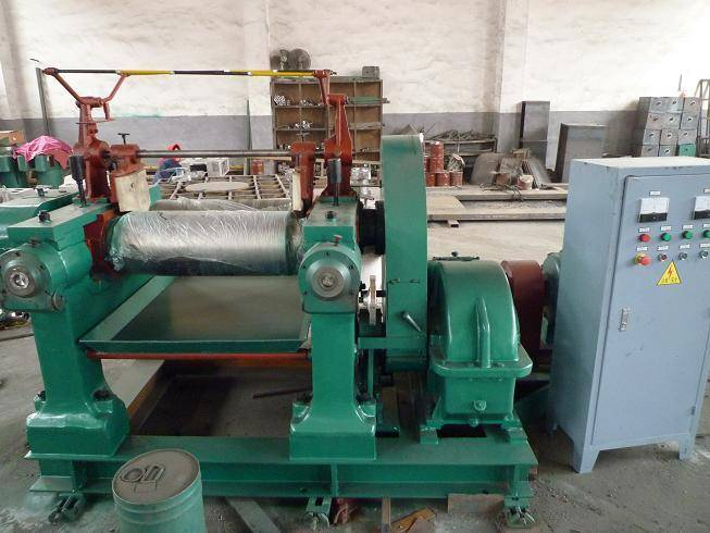 XK-250 rubber mixing mill