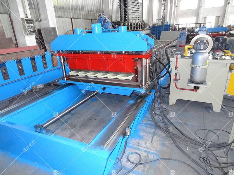 Steel glazed tile roll forming machine