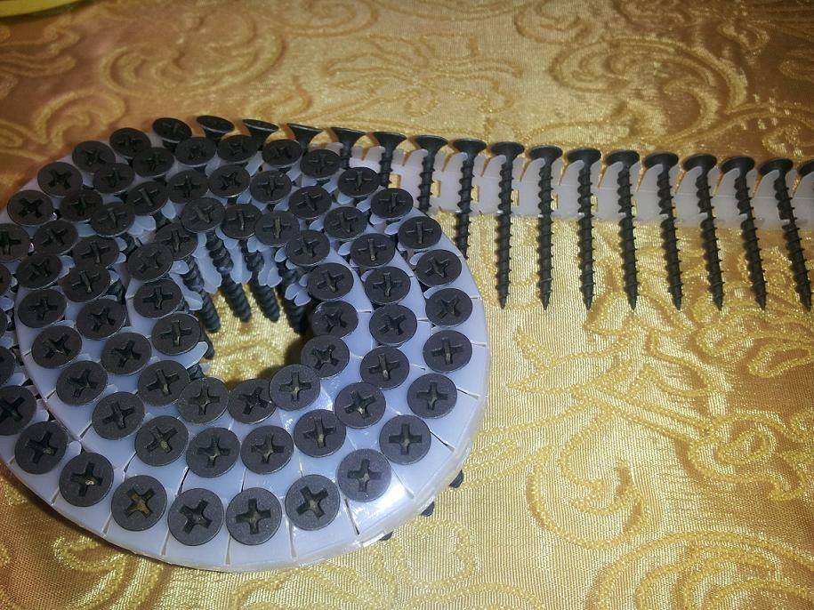 Pleastic Collated Coil Screws