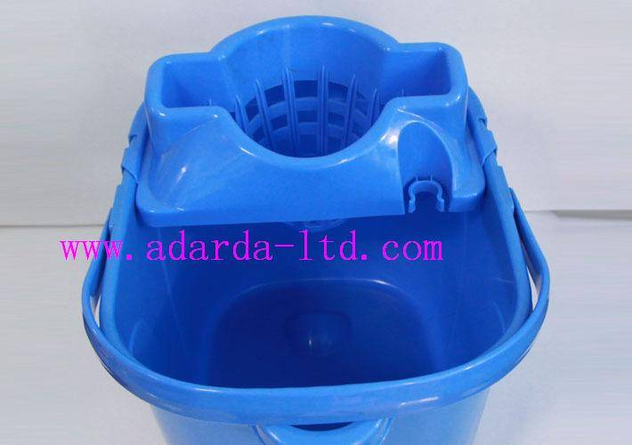 Plastic Barrel Mop Bucket with Wringer