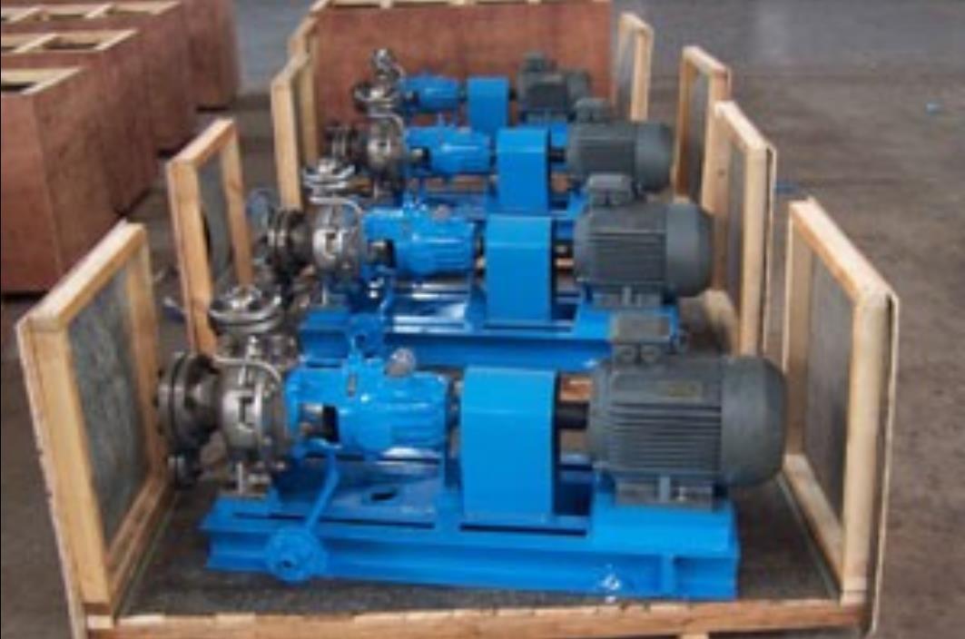 VOHAK horizontal, single stage, single suction, radially split cantilever pumps