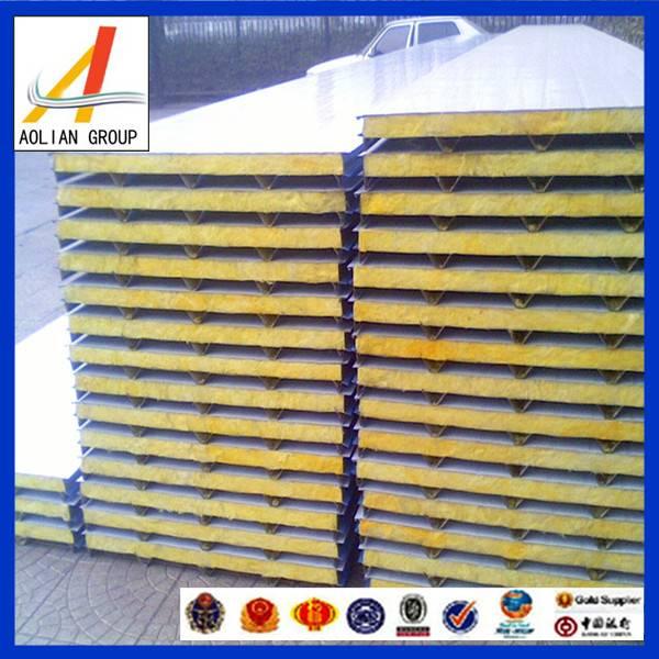 Common fiberglass wool sandwich panel for roof