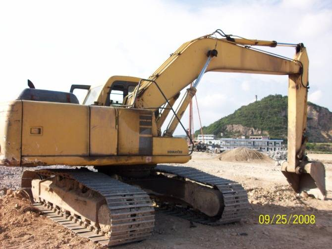 komatsu pc200-6 excavator