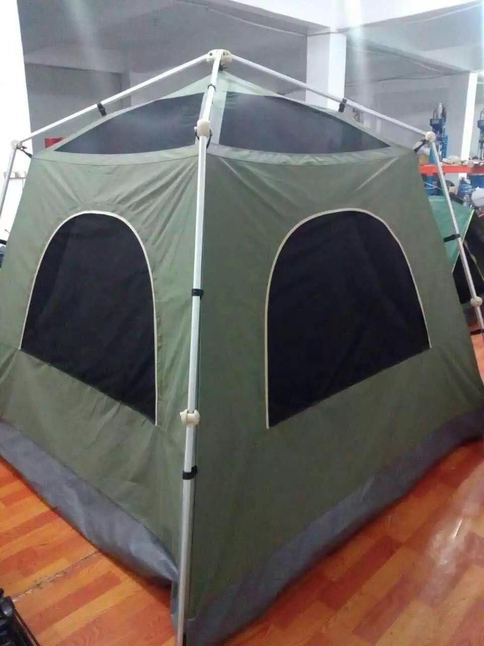 6-10 Persons Full-Automatic Camping Tent