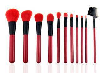 MNR2002 red nylon hair woodeb handle aliminum ferrule